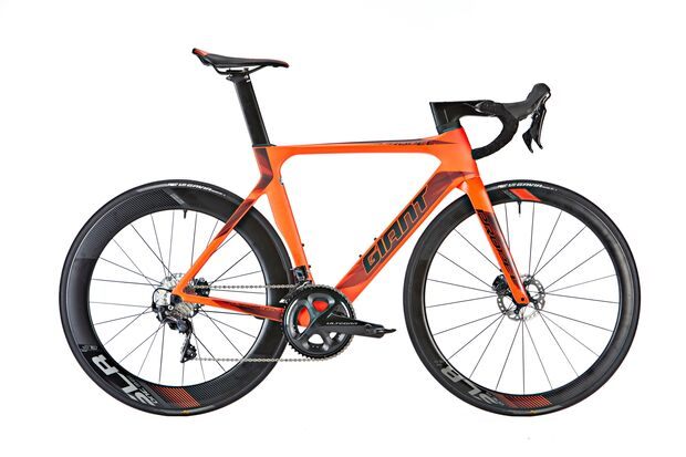 rb-0218-test-geschwister-duell-giant-propel-advanced-disc-freisteller (jpg)