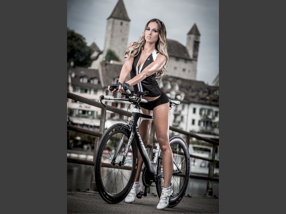 rb-sexy-cycling-kalender-2015-april (jpg)